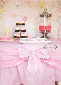 5mbow birthday table setting